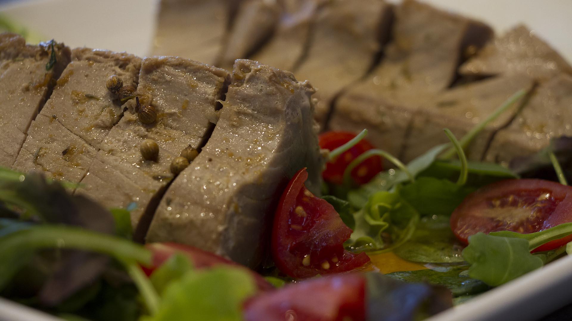 pranzo- tagliata di tonno - semaforo rosso